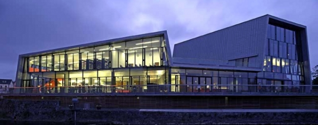 thurles-art-centre-library-002